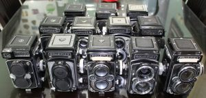 A group of TLR Cameras